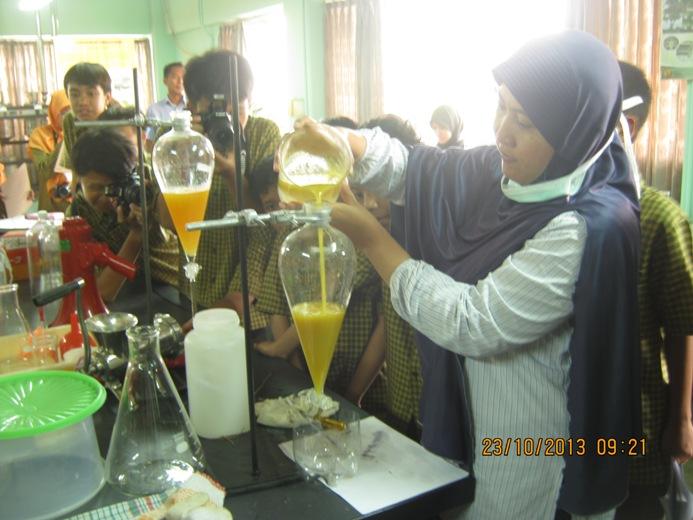 Pengolahan biji Nyamplung (Calophyllum inophyllum L) menjadi biofuel