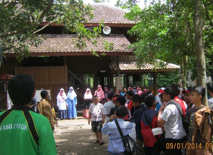 Penutupan dan pelepasan siswa-siswi SDIT Lukmanul Hakim