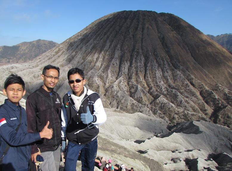 Gn. Batok nampak dari puncak Gn. Bromo