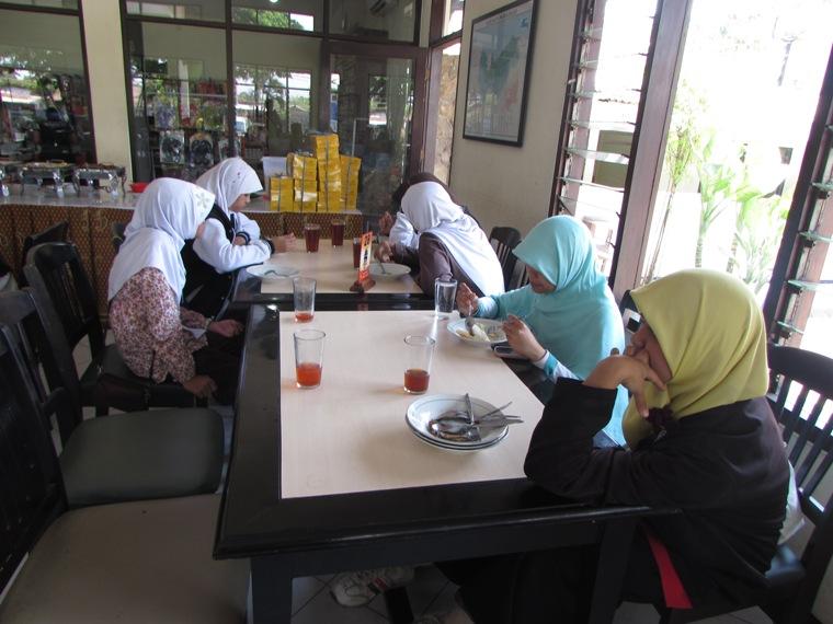 Makan Pagi di RM. Tongas Asri, Probolinggo
