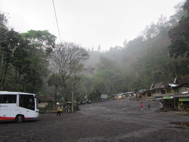 Area Parkir Air Terjun Coban Rondo