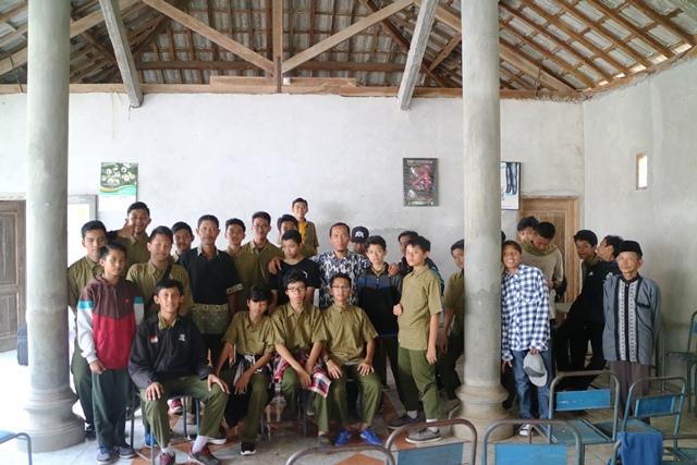 foto bersama bapak dukuh dan tokoh masyarakat