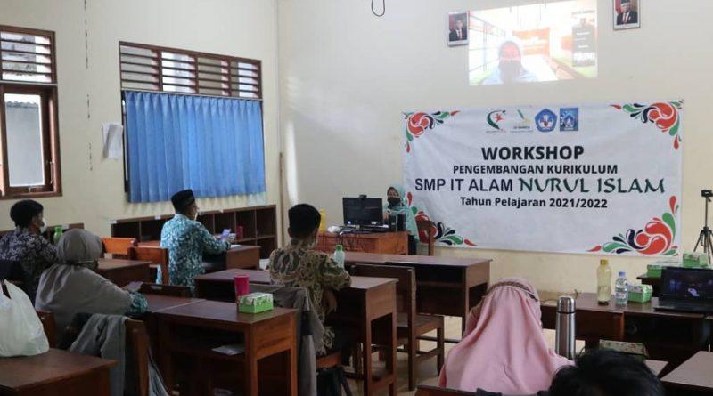 Workshop Pengembangan Kurikulum Tahun Pelajaran 2021/2022